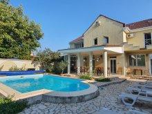 Cazare județul Arad, Pensiunea XO Residence