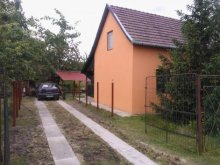 Casă de vacanță Tiszavárkony, Casa de vacanță Nagy Lak