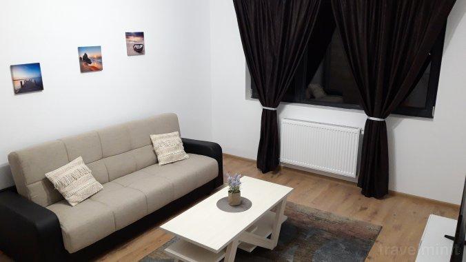 Eden-Lian's Studio Apartment Bucharest