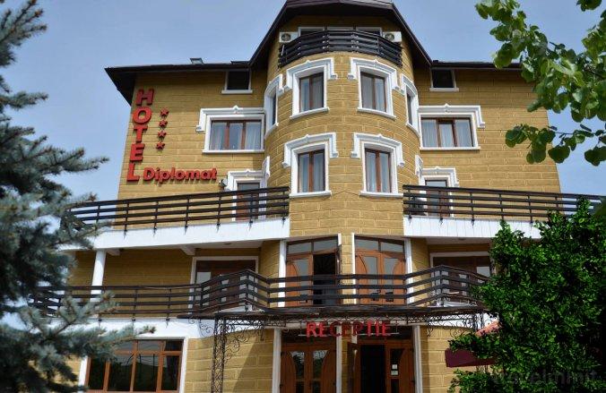 Diplomat Hotel Jászvásár