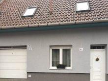 Accommodation Szépasszony valley, Cecey Apartment