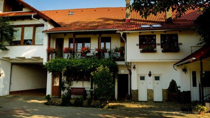 Tinion Guesthouse Zărnești