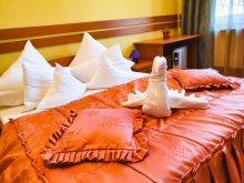 Hotel Oțeni, Hotel Szarvas