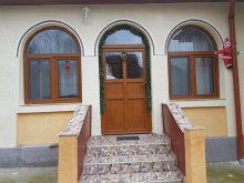 Accommodation Tășnad, La Pop Guesthouse