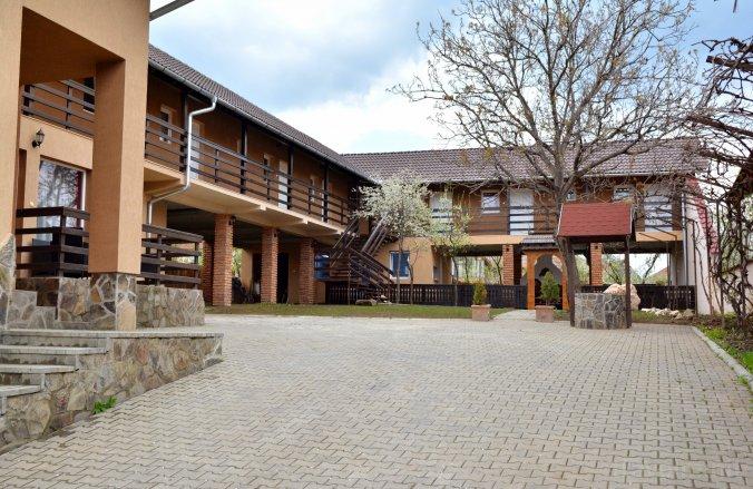 Becsali Guesthouse Bisericani