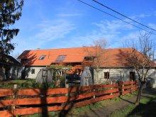 Accommodation Csabrendek, A Kert Apartment