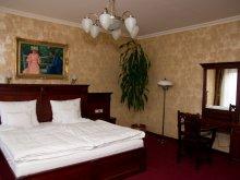 Hotel Tiszamogyorós, Hotel Óbester