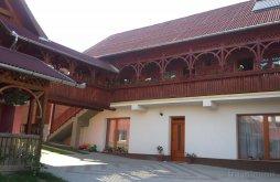 Casă de oaspeți Rugănești, Casa de vacanță Éva