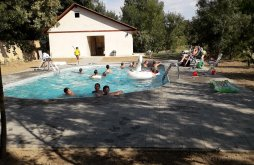 Camping near Padiș Open Air Thermal Bath Băile Felix, Hakunamatata Camping