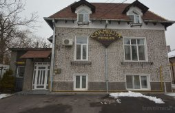 Apartman Stănești-Lunca, Carmelita Panzió