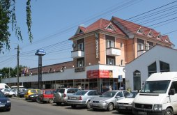 Apartament Cristur-Șieu, Hotel Decebal