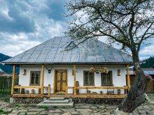 Cazare Vatra Moldoviței, Căsuța Vânătorului