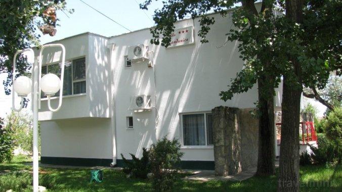 Randunica Guesthouse Mamaia
