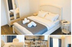 Accommodation Brașov, White Apartment