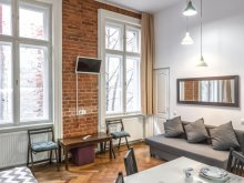 Accommodation Corund, Piața Sfatului Central Apartment