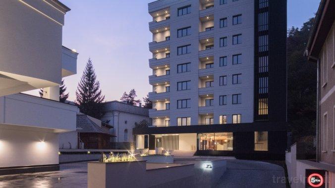 Atlas Aparthotel Karácsonkő