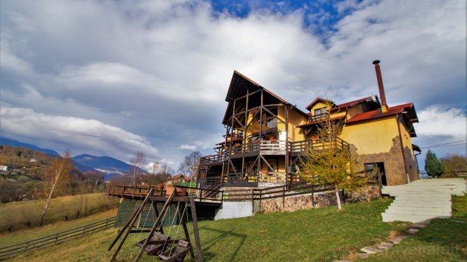 Akasha Mountain Villa Peștera