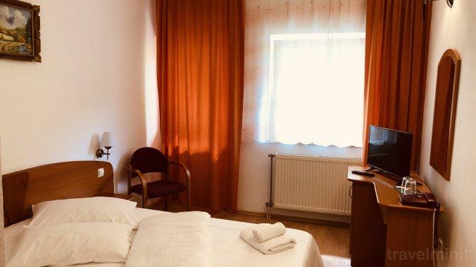 Poenita Hotel Segesvár