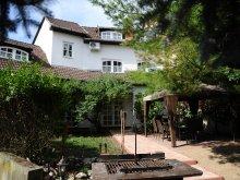 Bed & breakfast Mezőkeresztes, Illaberek Guesthouse