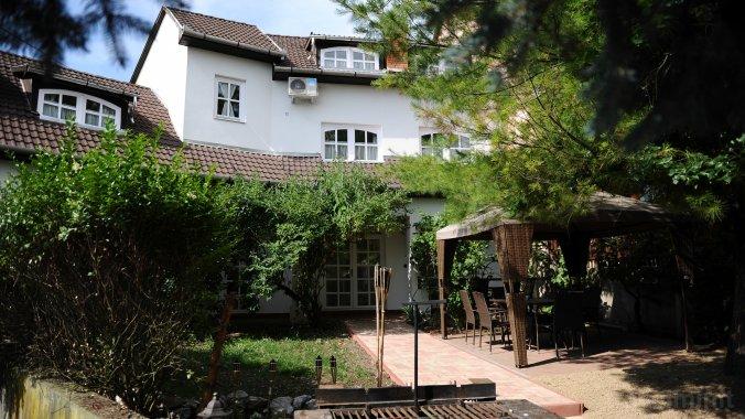 Illaberek Guesthouse Eger