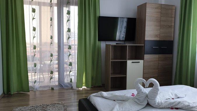 LaDom Apartment Mamaia-Sat