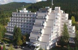 Hotel near Thury-Bányai Castle, Hotel Montana