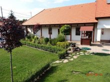 Apartament Meszes, Casa de Oaspeți Tip-Top Lak