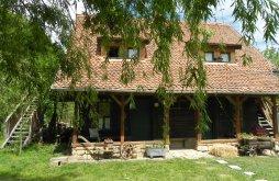 Accommodation near Afteia Monastery, Iedera - Casa de Lemn Guesthouse