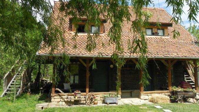 Iedera - Casa de Lemn Panzió Felsőpián