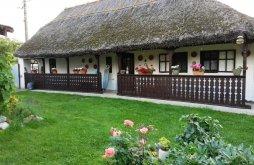 Casă de oaspeți Voivozi (Popești), Casa de oaspeți La Bunici