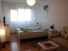 Accommodation Hont, 7th Heaven Apartment