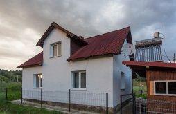 Nyaraló Brașca, Armi Vendégház