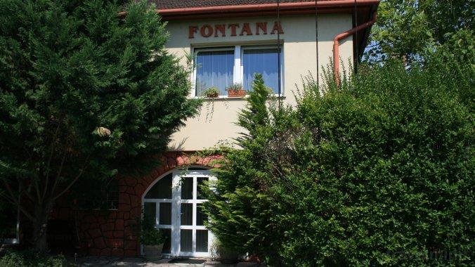 Fontana Guesthouse Tát