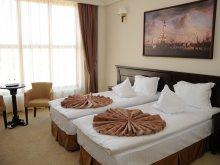 Hotel Ștrandul Ocnele Mari, Hotel Rexton