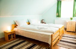 Vacation home near Marghita Bath, Ile Chalet