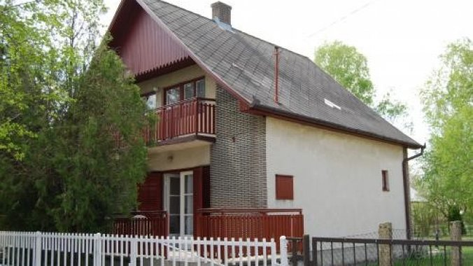 Casă-Apartament Szabó Sándorné Balatonkeresztúr