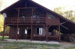 Kulcsosház Dobroești, Lake Kulcsosház