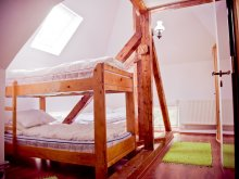 Accommodation Haieu, Cetățile Ponorului Chalet