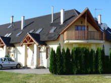 Casă de oaspeți Röjtökmuzsaj, Casa de oaspeți Forrás