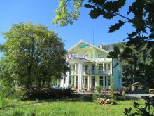 Panzió Püspökfürdő (Băile 1 Mai), Victória Panzió