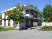 Cabană Poroszló, Casa de oaspeți Váci