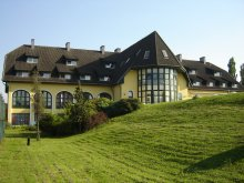 Discounted Package Hungary, Hotel Familia