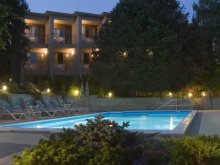 Hotel Nagybajcs, Hotel Villa Pax