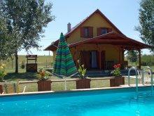 Casă de vacanță Tiszasüly, Casa de vacanță Ziza