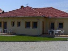 Accommodation Zalacsány, Petra Apartment