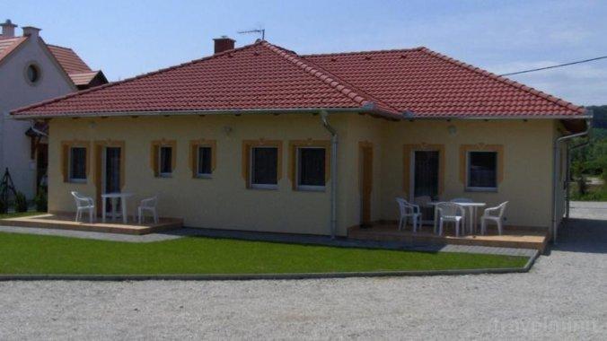 Apartament Petra Kehidakustány
