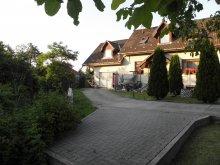 Accommodation Szilvásvárad, Fenyves Apartment