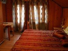 Pensiune Dragoslavele, Pensiunea Casa Domnească