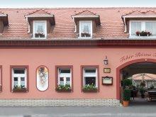 Accommodation Röjtökmuzsaj, Fehér Rózsa Guesthouse