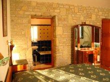 Accommodation Berkenye, Vadrózsa Guesthouse